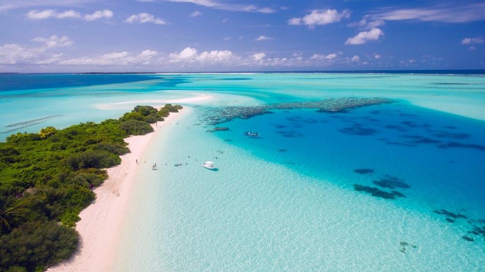 Почивка Почивка на Малдивите за Св. Валентин от  10.02.2021 - Малдивите са лукс, романтика, топлота, нежност, релакс  и природни красоти... Усещане за безвремие, пленяващи  цветове и гледки, спокойствие на тялото и духа в  хармония с природата.
