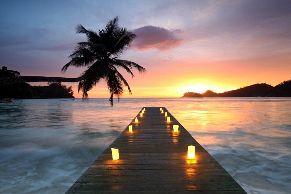 Почивка Почивка на Сейшели март 2020 - Това е една от най-красивите островни държави, разположена на архипелаг в Индийския океан.  Екзотика, която спира дъха, предлагаща невероятни гледки, забавления, вкусна храна и кокосови орехи в изобилие. Това е място за мечтаната почивка ...