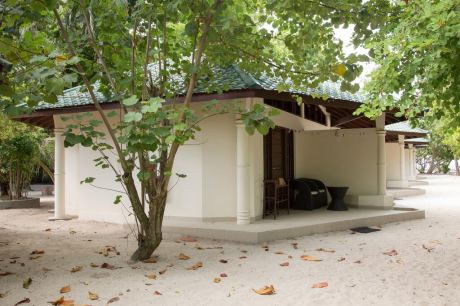 Почивка в Embudu Village Maldives 3*