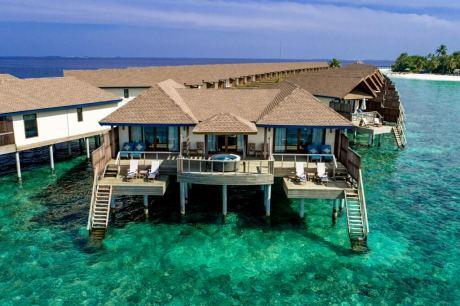 Почивка в  Reethi Faru Resort Raa Atoll - 5*