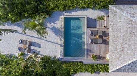 Почивка в Hurawalhi Maldives 5*