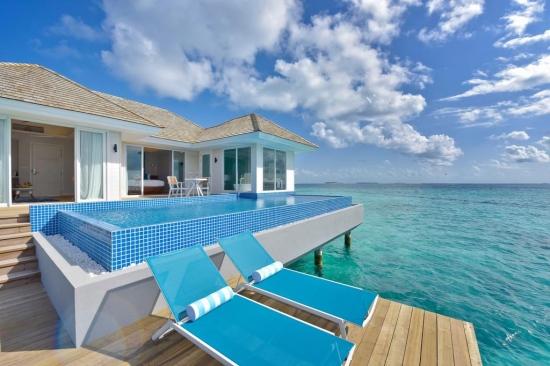 Почивка в Kandima Maldives 5*