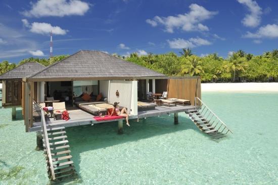Почивка в PARADISE ISLAND RESORT 4*