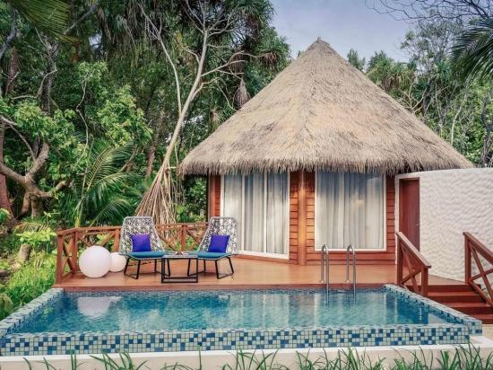 Почивка в Mercure Kooddoo Maldives 4*