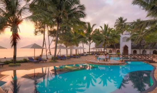Почивка в Bluebay Beach Resort & Spa 5*